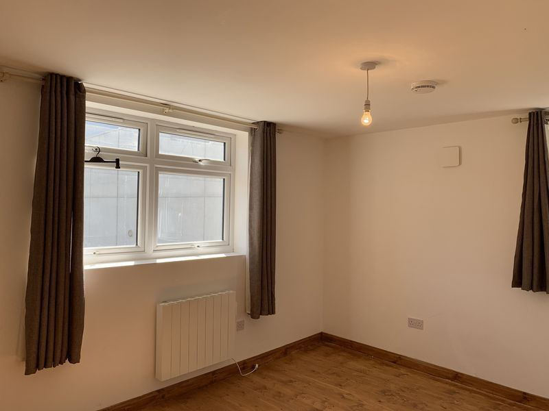 1 bed flat to rent in High Street 1