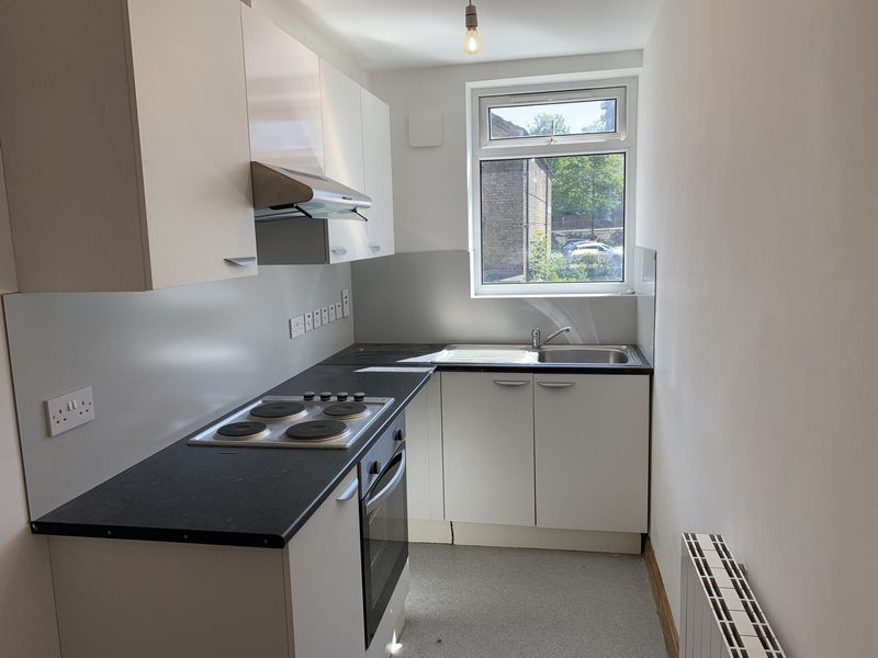 1 bed flat to rent in High Street 2