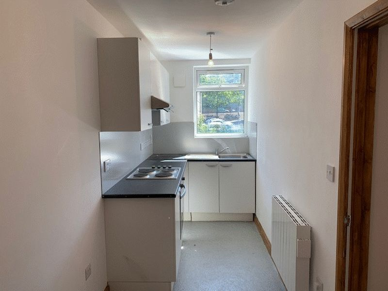 1 bed flat to rent in High Street 3