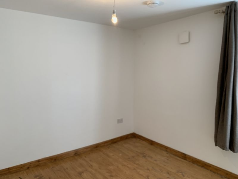 1 bed flat to rent in High Street 6