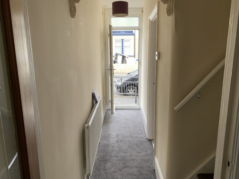 2 bed house to rent in Barnsole Road 8