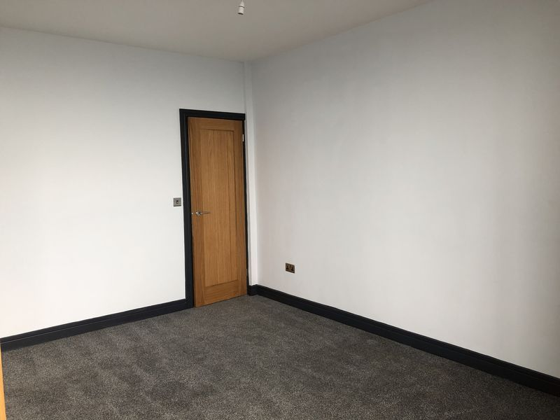 2 bed flat to rent in Royal Esplanade 5