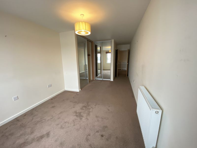 2 bed flat to rent in Rivermead 12