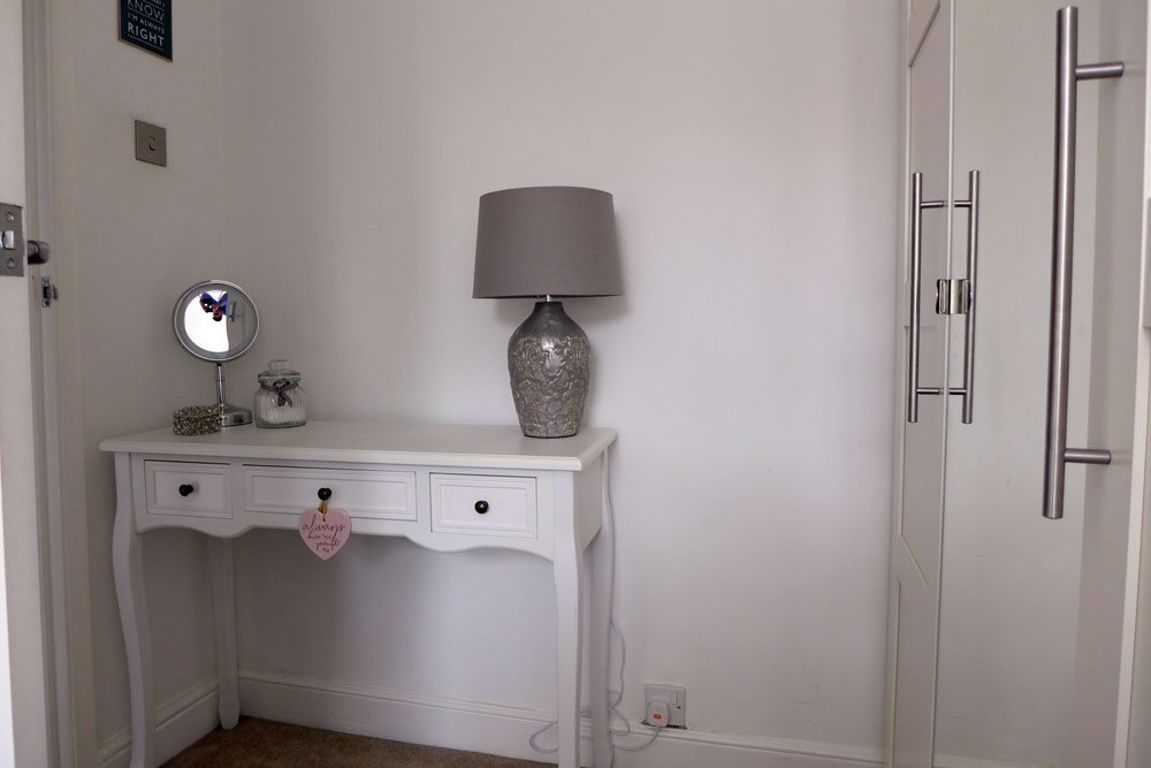 2 bed  to rent  - Property Image 17