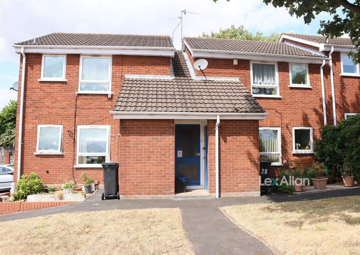 1 bed flat for sale, DY5