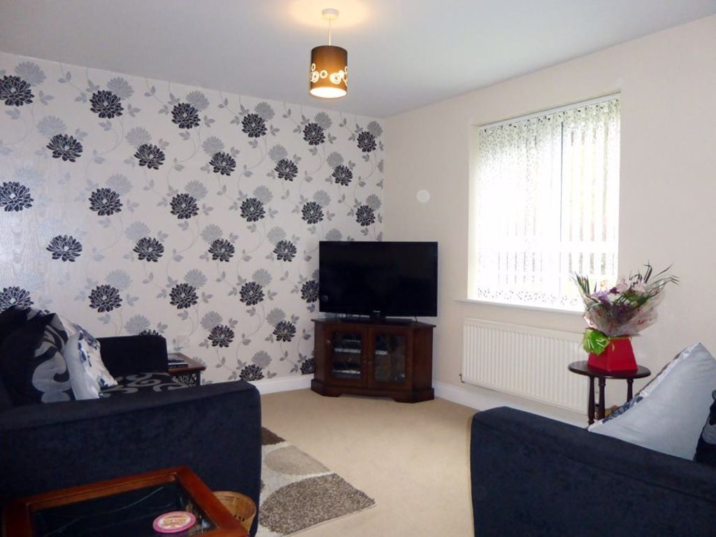 2 bed  to rent in Cradley 4