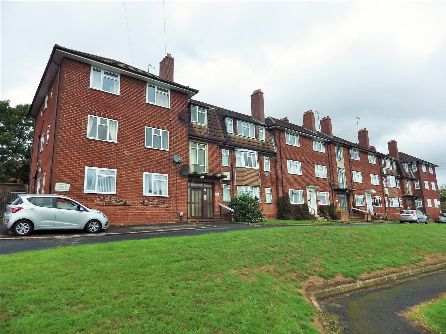 2 bed flat for sale 14