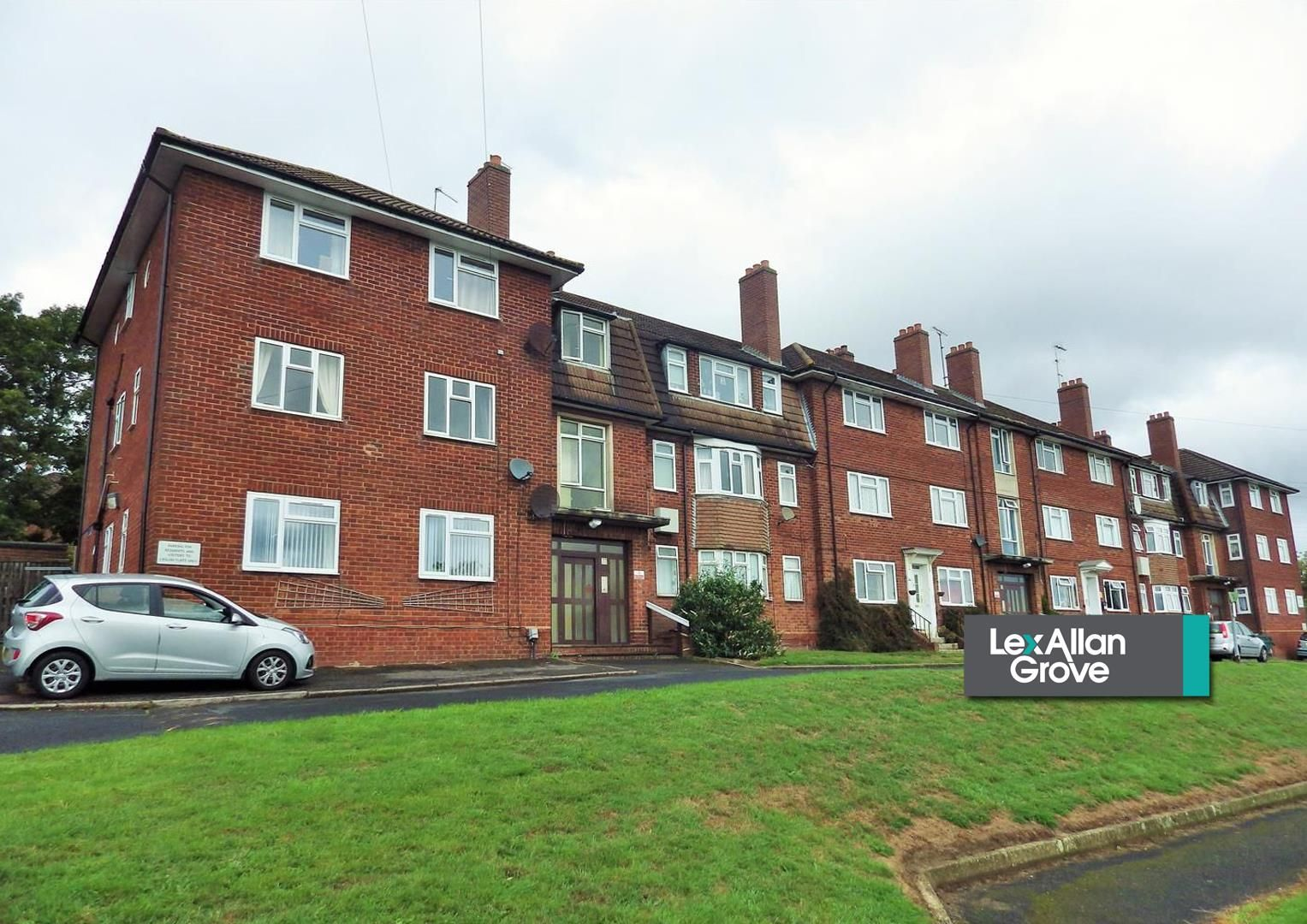 2 bed flat for sale  - Property Image 15