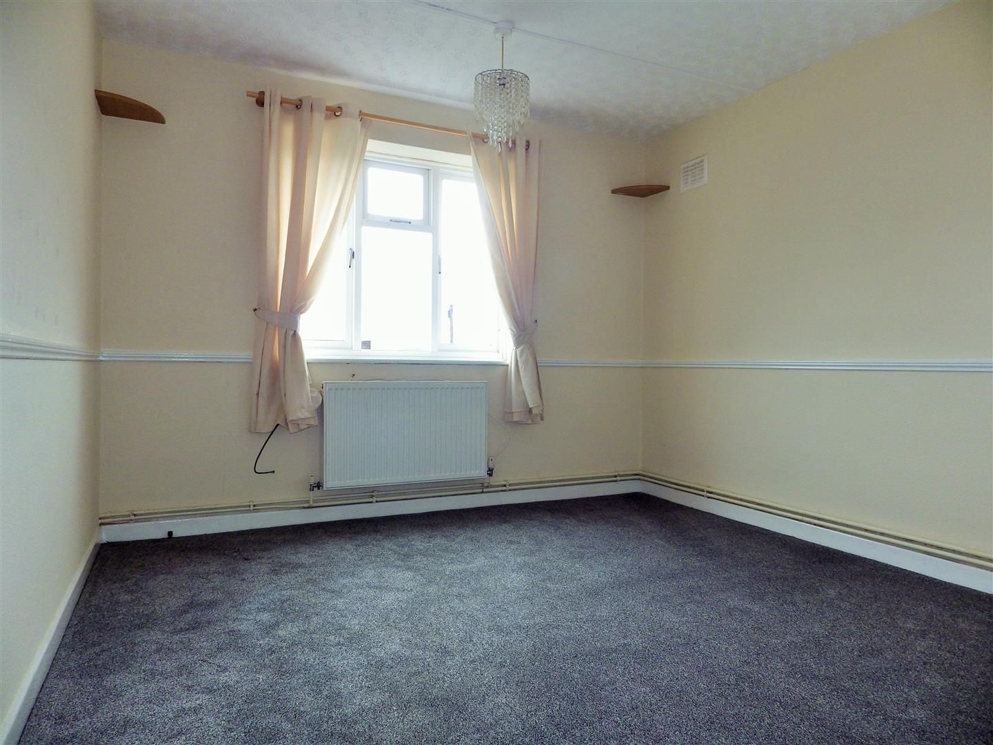 2 bed flat for sale 6