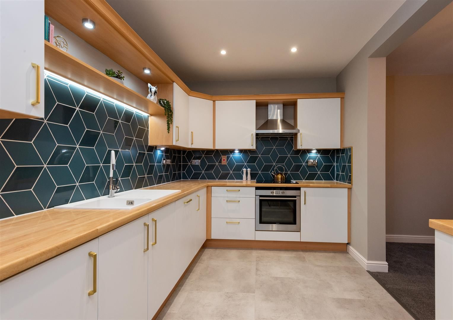 2 bed apartment for sale  - Property Image 5