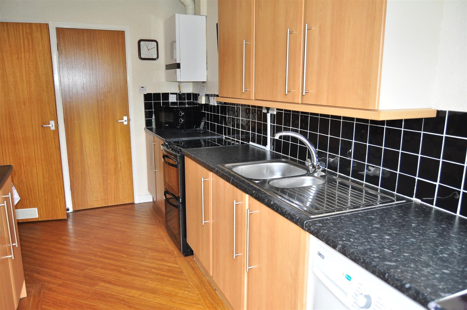 2 bed terraced-bungalow for sale  - Property Image 3
