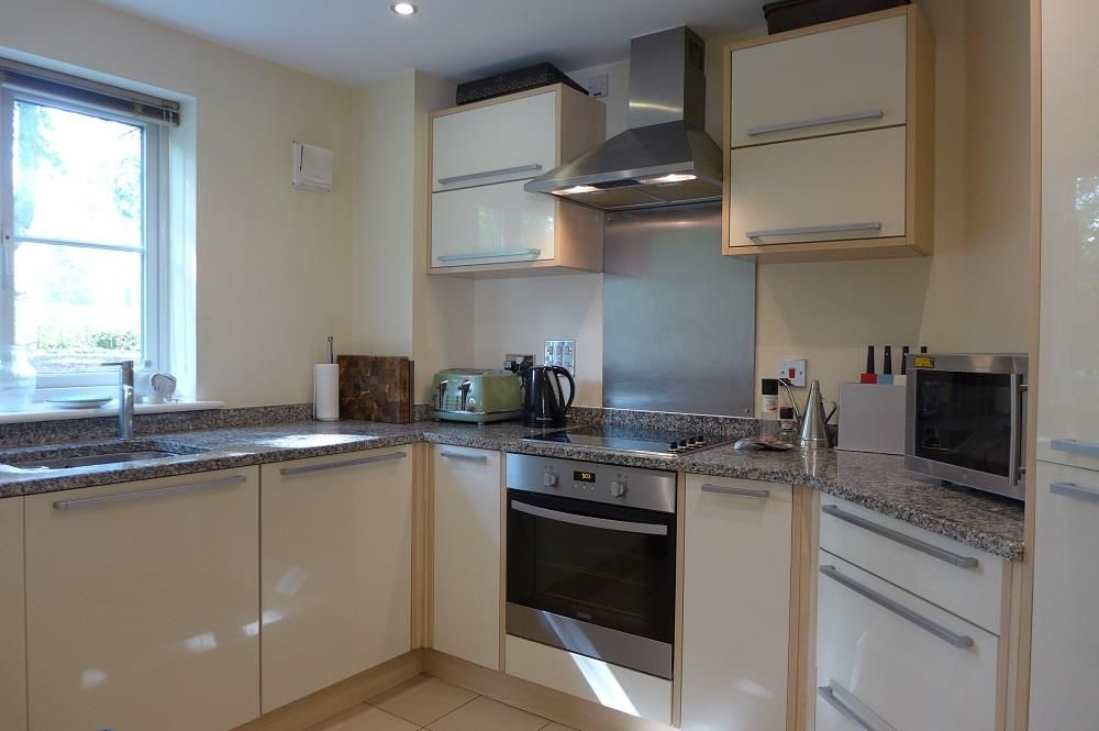 2 bed apartment for sale in Pedmore 2