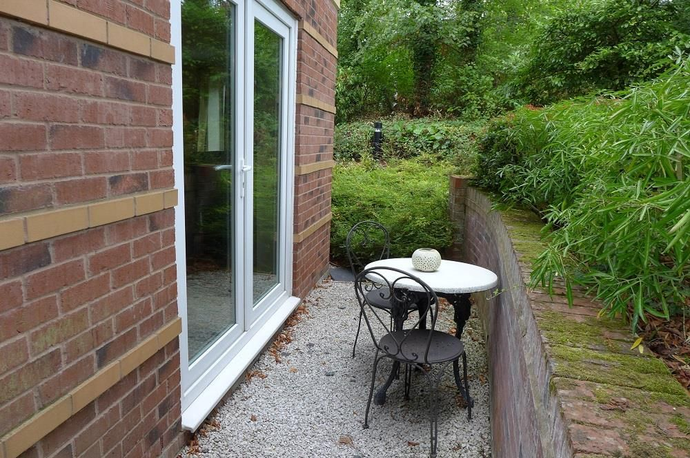 2 bed apartment for sale in Pedmore 13