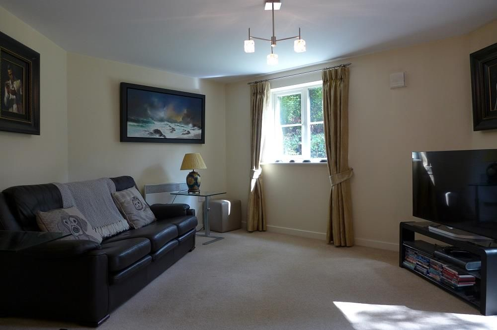 2 bed apartment for sale in Pedmore 4