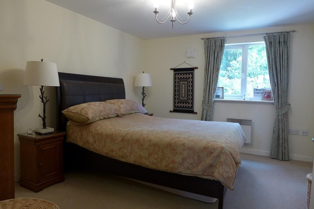 2 bed apartment for sale in Pedmore 7