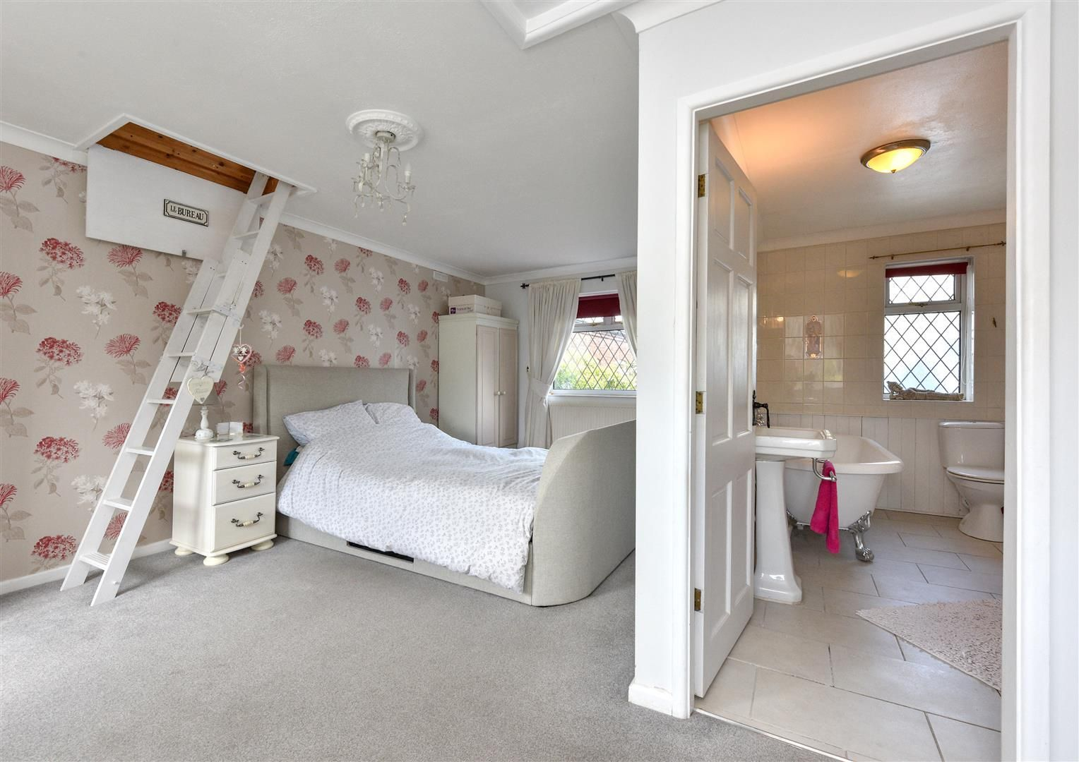 4 bed detached for sale in Swindon  - Property Image 13
