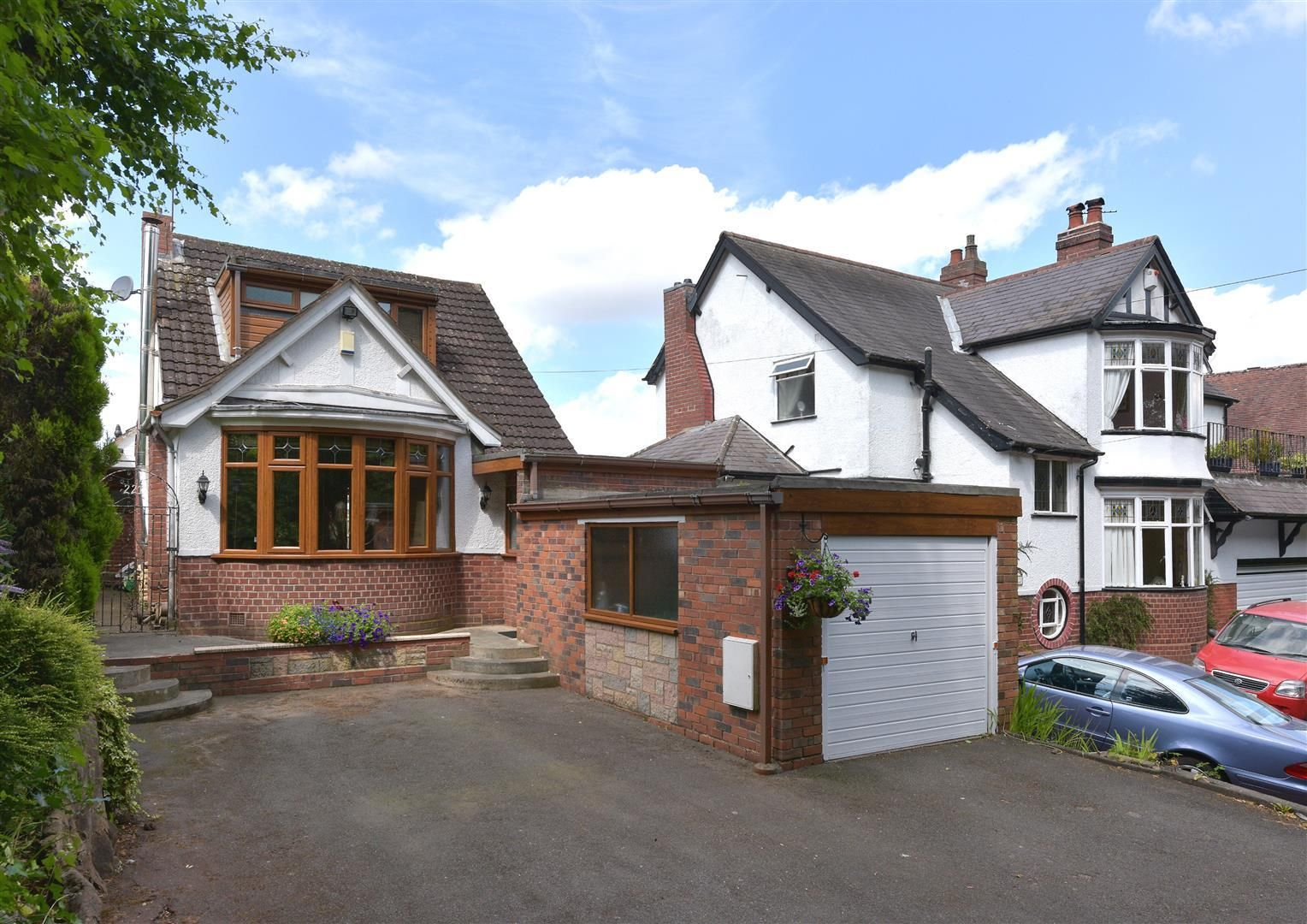 2 bed detached for sale in Hunnington 1