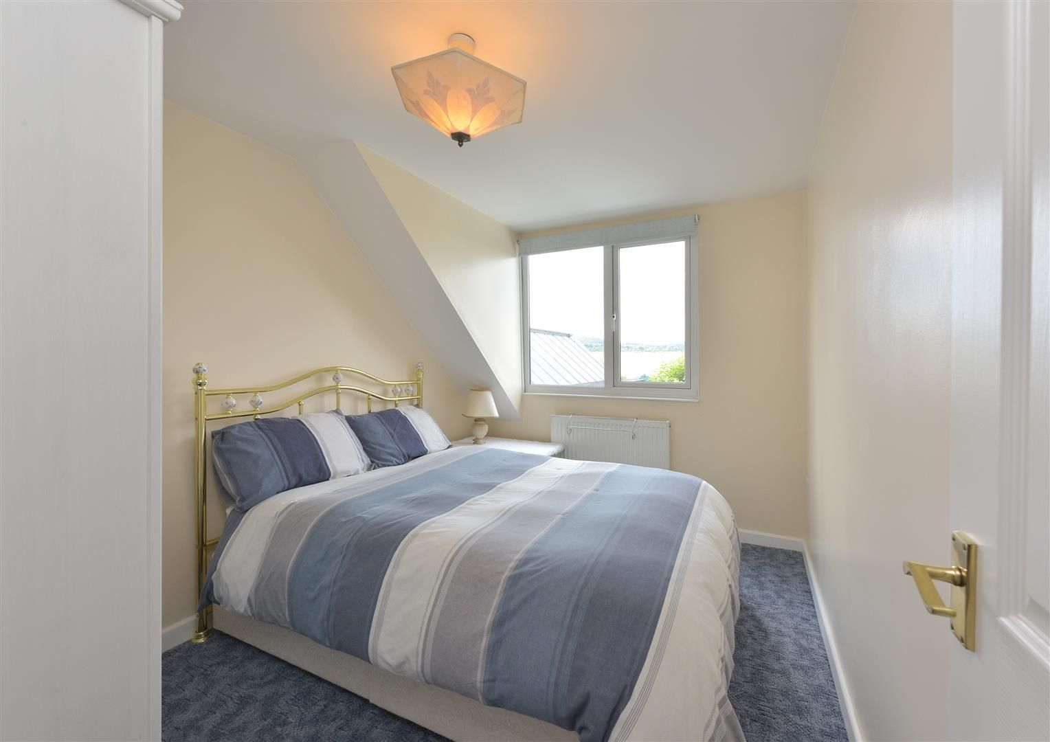 2 bed detached for sale in Hunnington 11