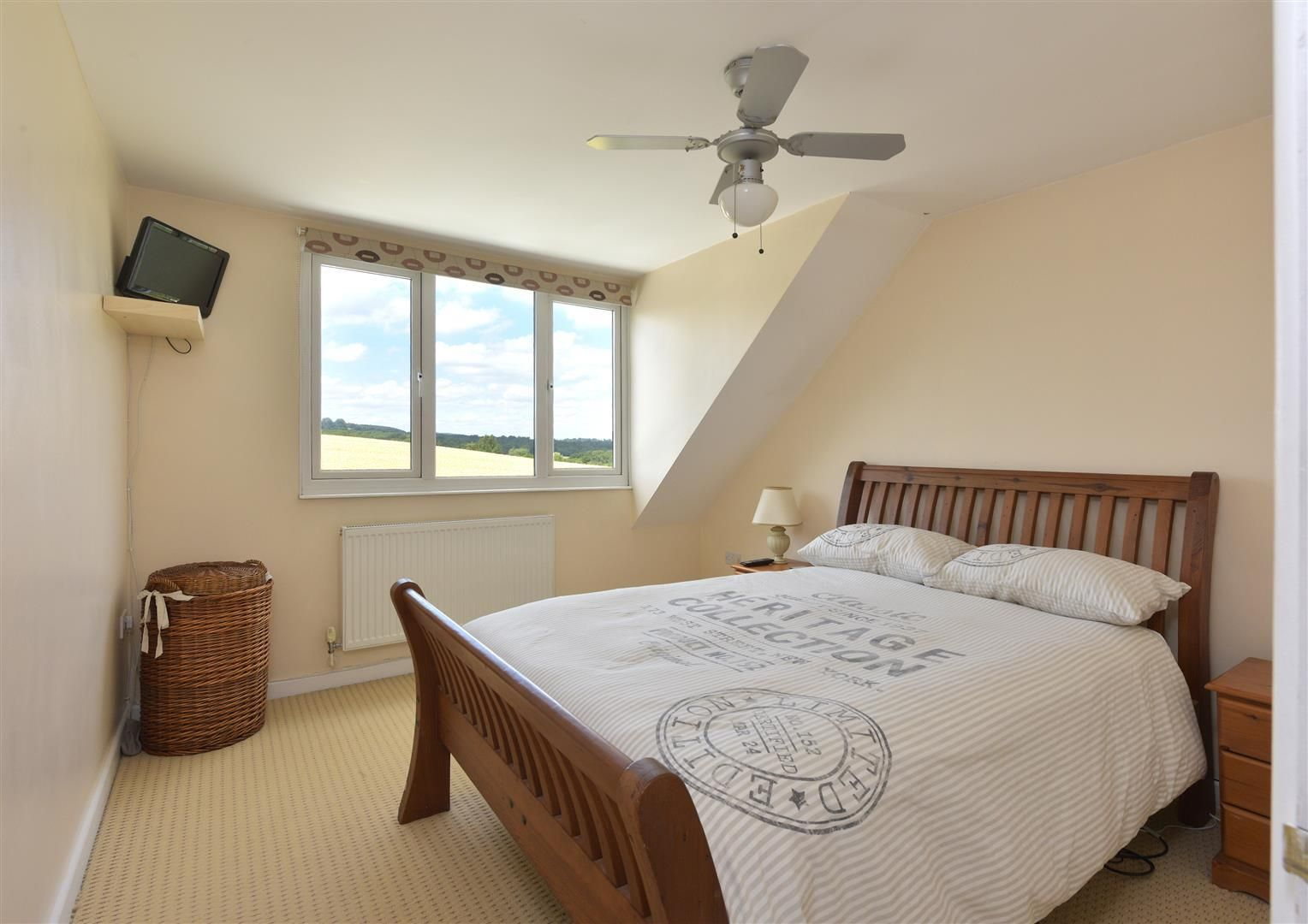 2 bed detached for sale in Hunnington 10
