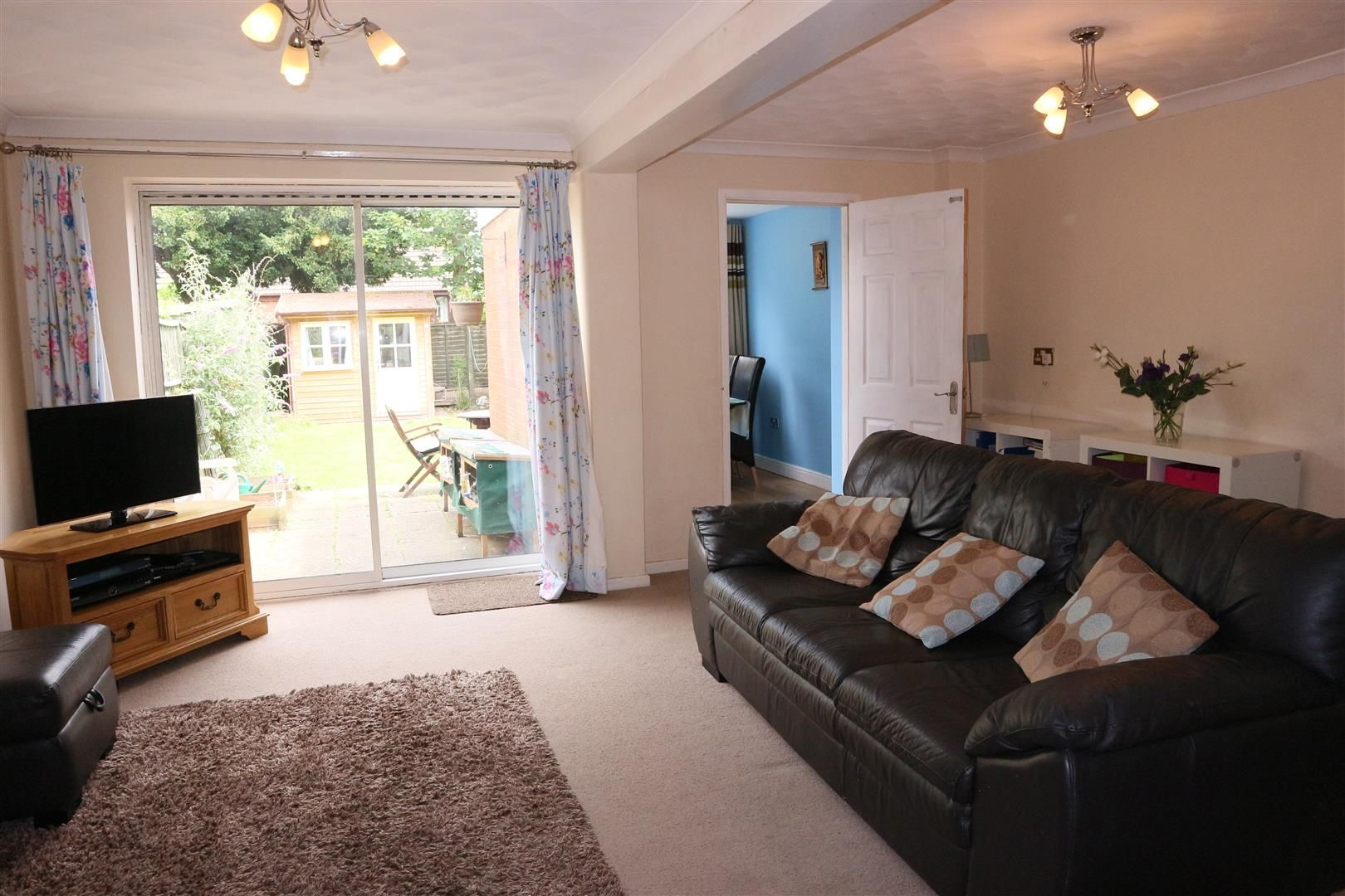 3 bed semi-detached for sale in Kinver 2