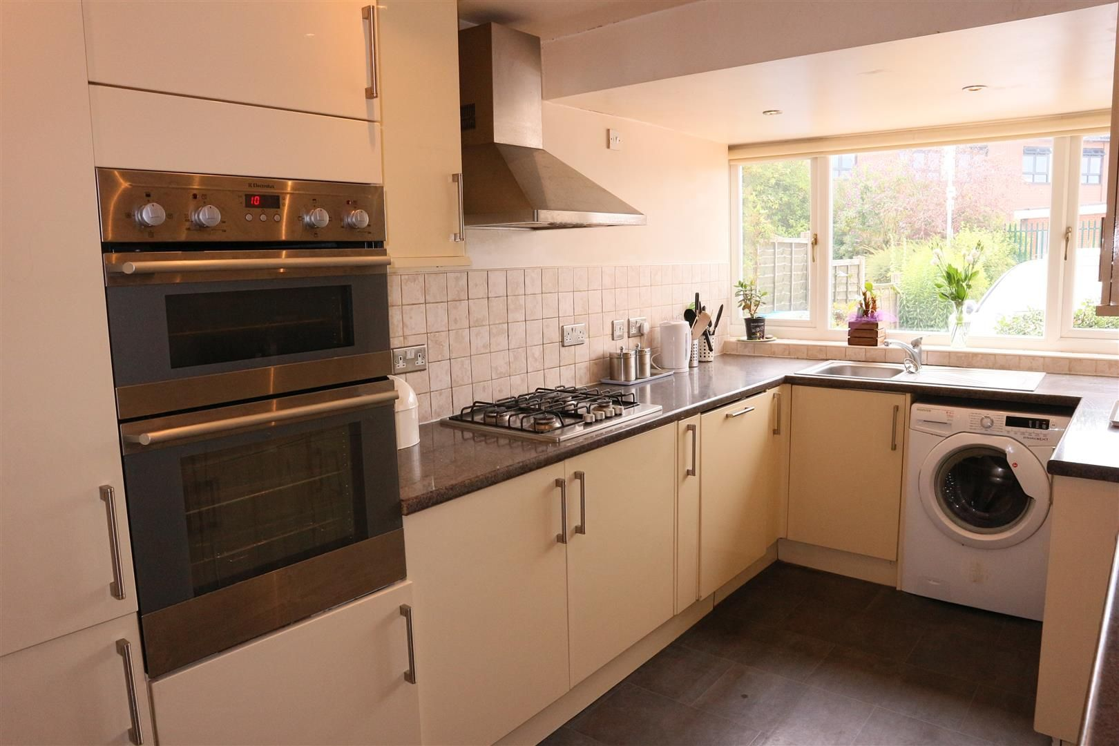 3 bed semi-detached for sale in Kinver 3