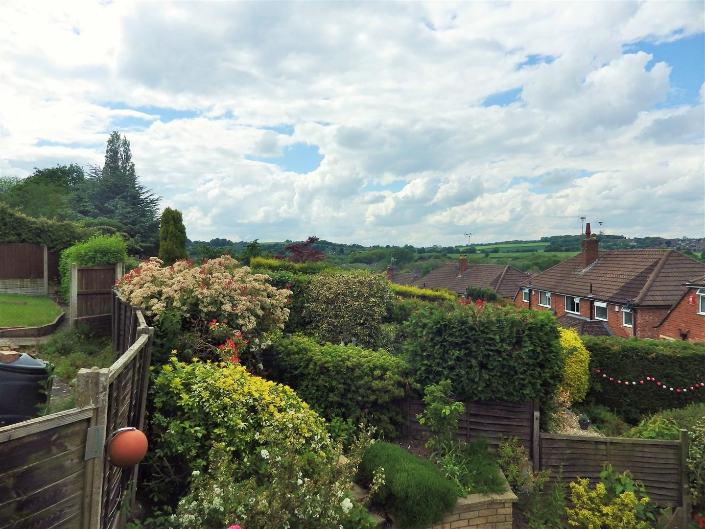 3 bed semi-detached for sale in Hasbury 18