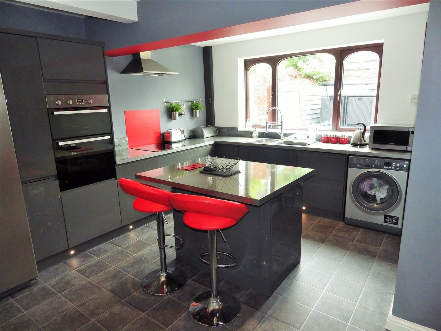 3 bed semi-detached for sale in Hasbury 3