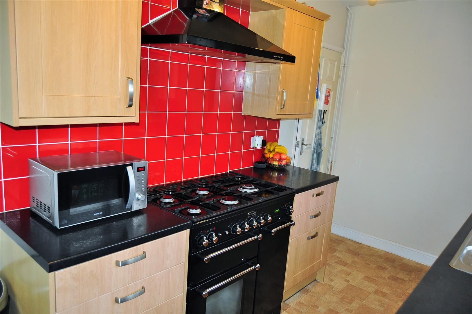 3 bed semi-detached for sale 7