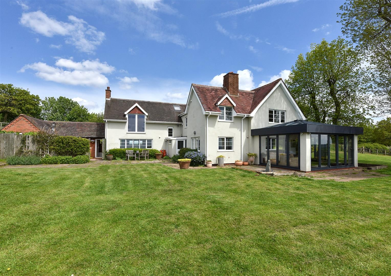 5 bed detached for sale in Clent 24