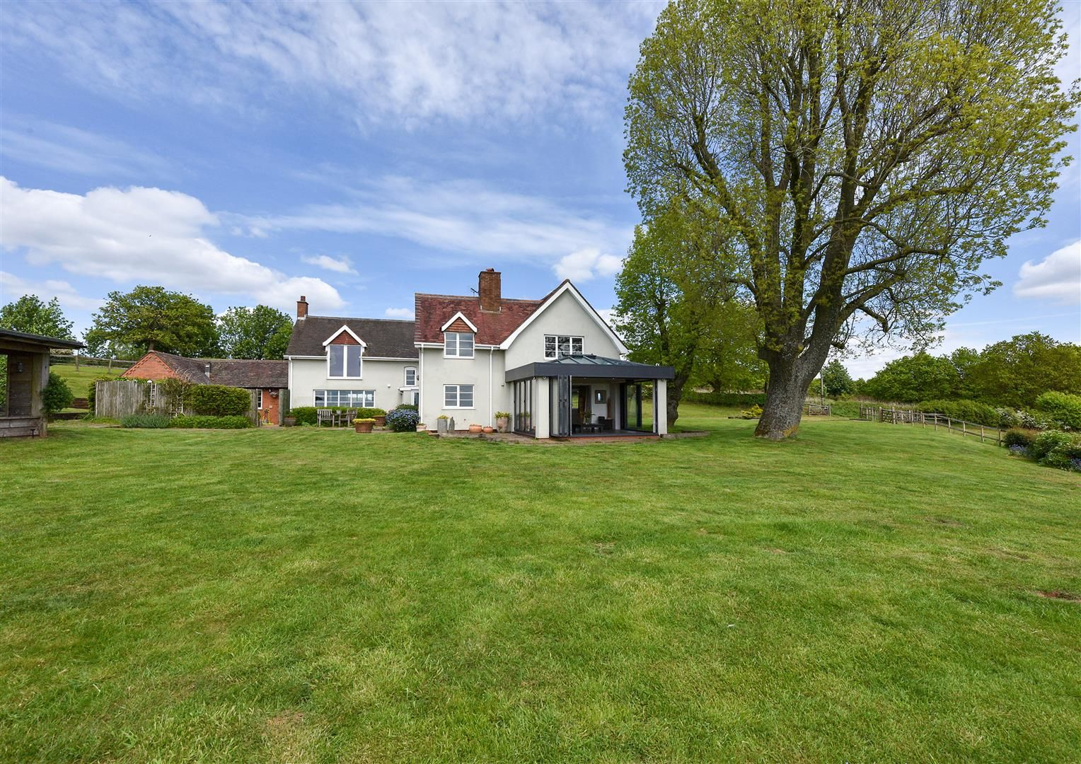 5 bed detached for sale in Clent 25
