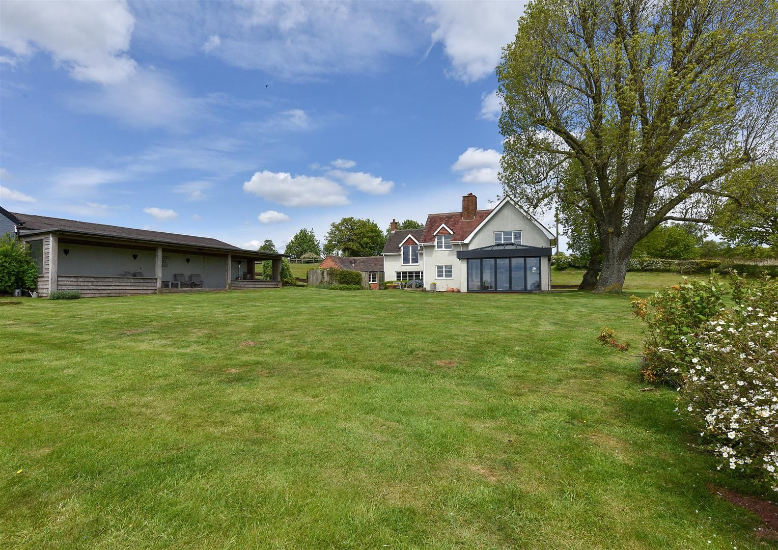 5 bed detached for sale in Clent 27