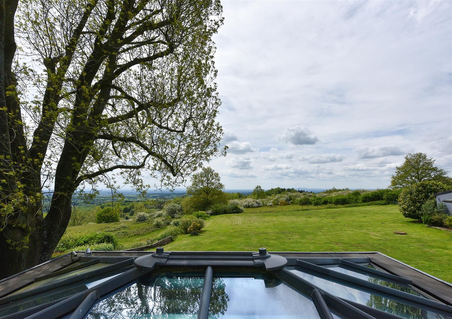 5 bed detached for sale in Clent 28