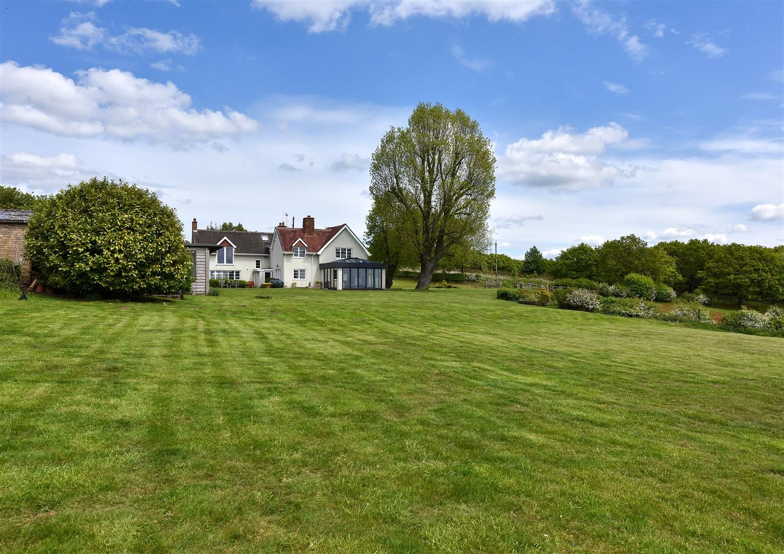 5 bed detached for sale in Clent 30