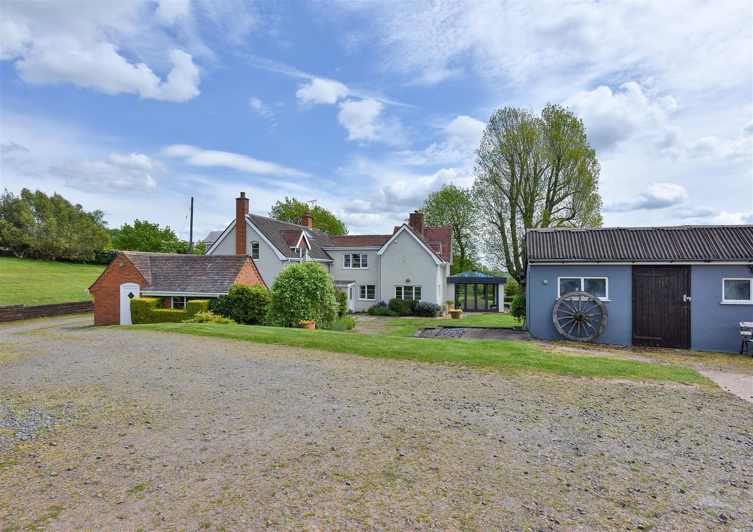 5 bed detached for sale in Clent 35