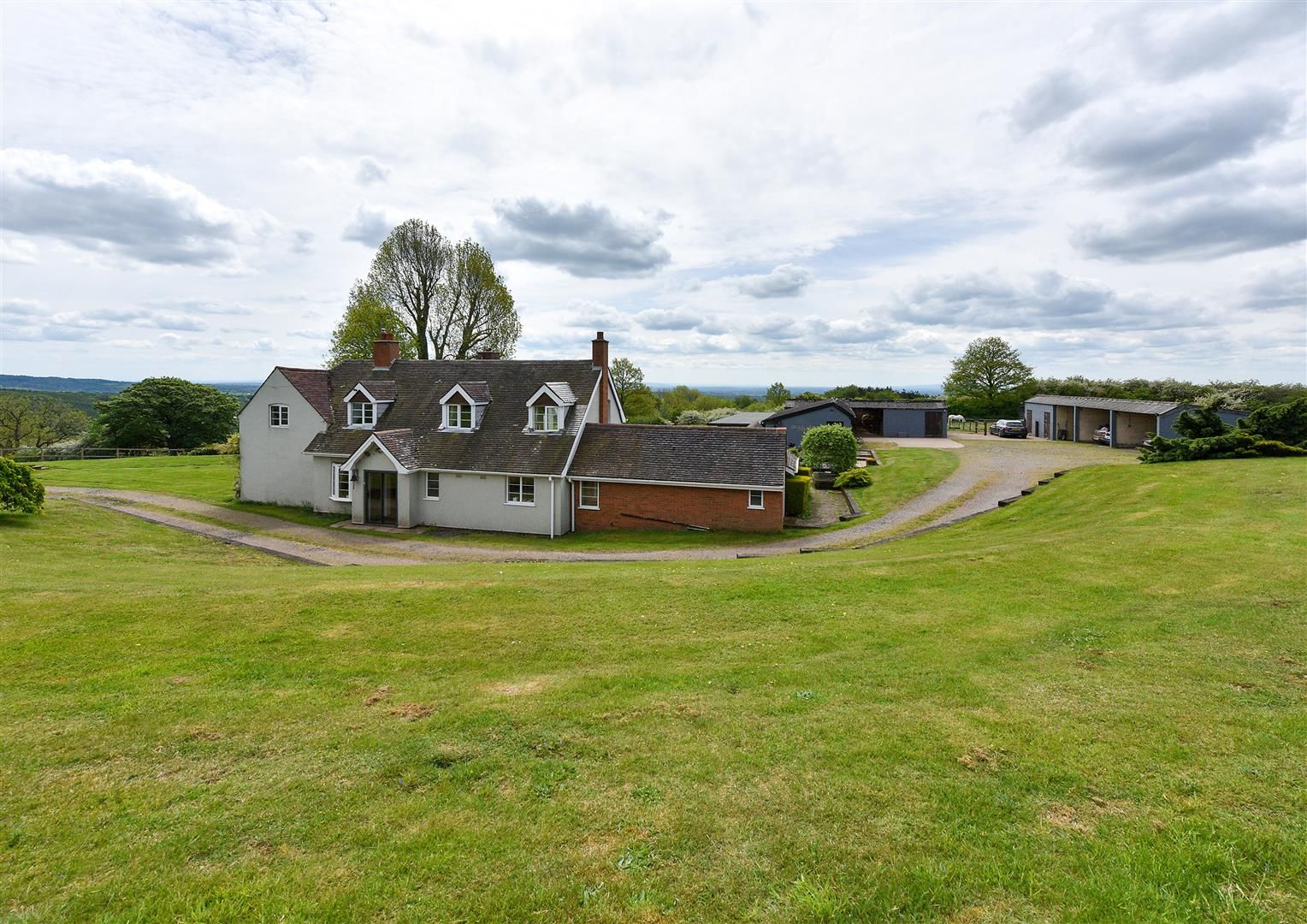 5 bed detached for sale in Clent 41