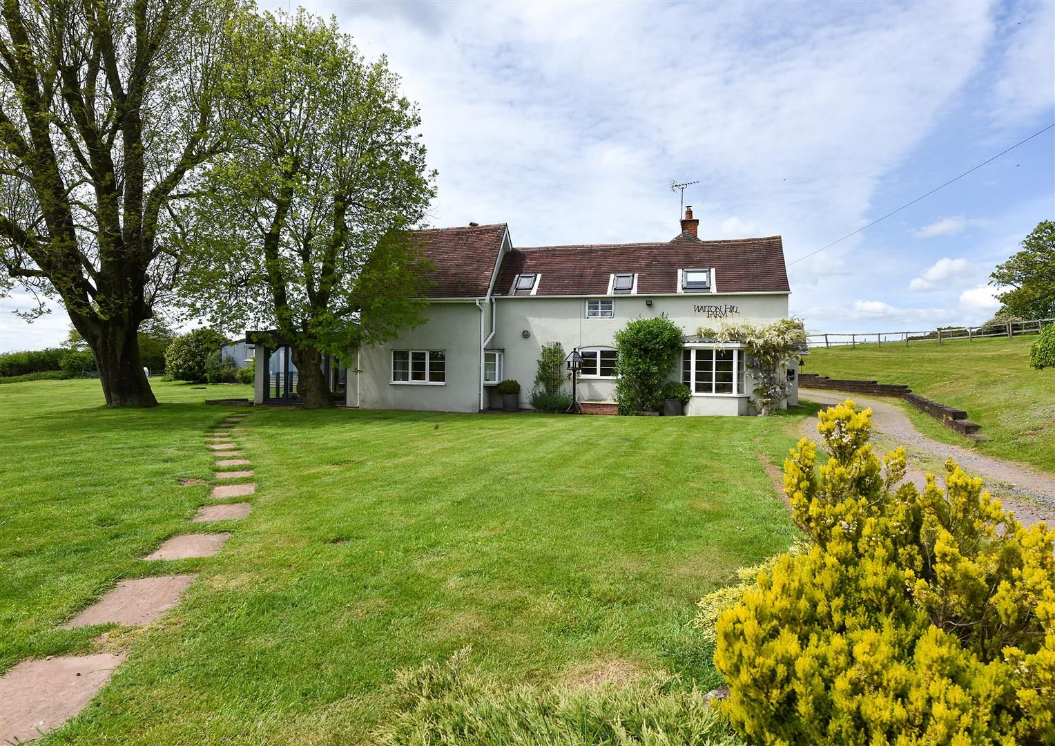 5 bed detached for sale in Clent 43