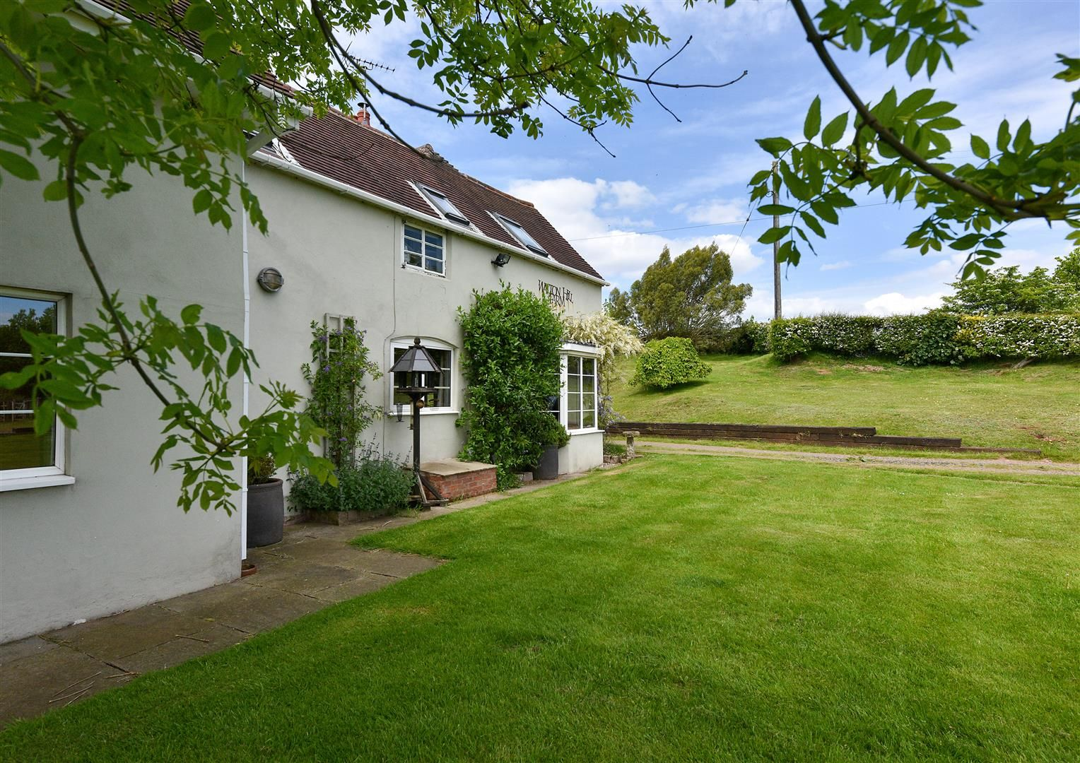 5 bed detached for sale in Clent 48