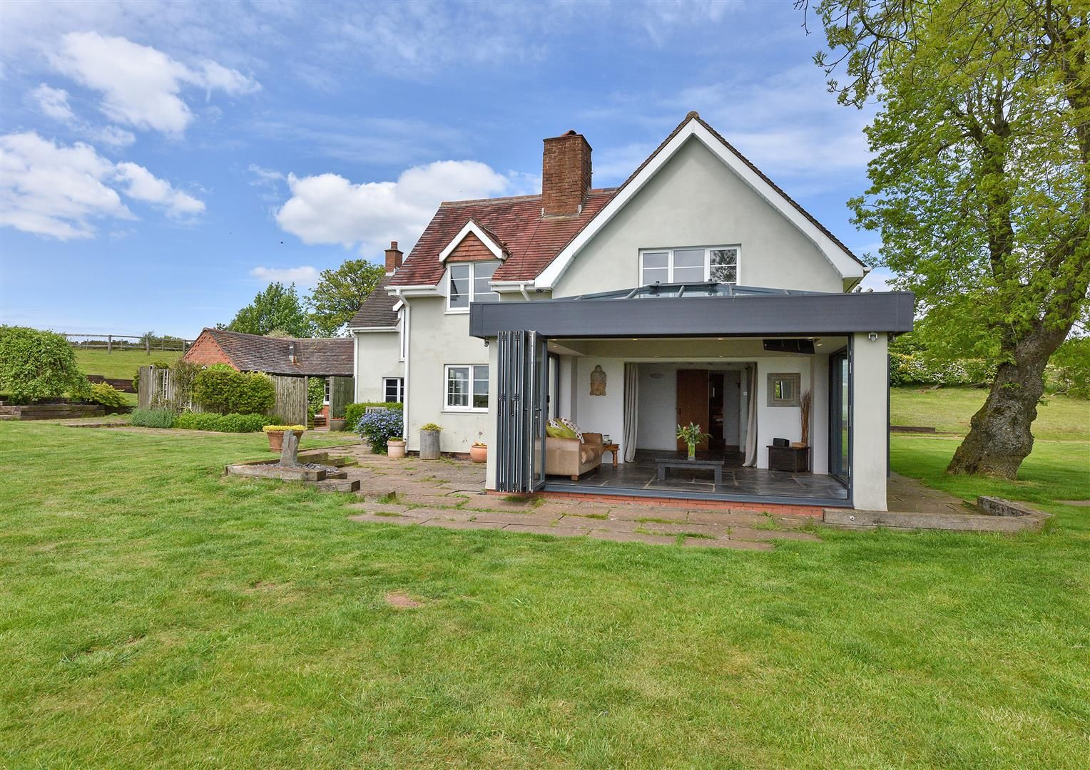 5 bed detached for sale in Clent 51