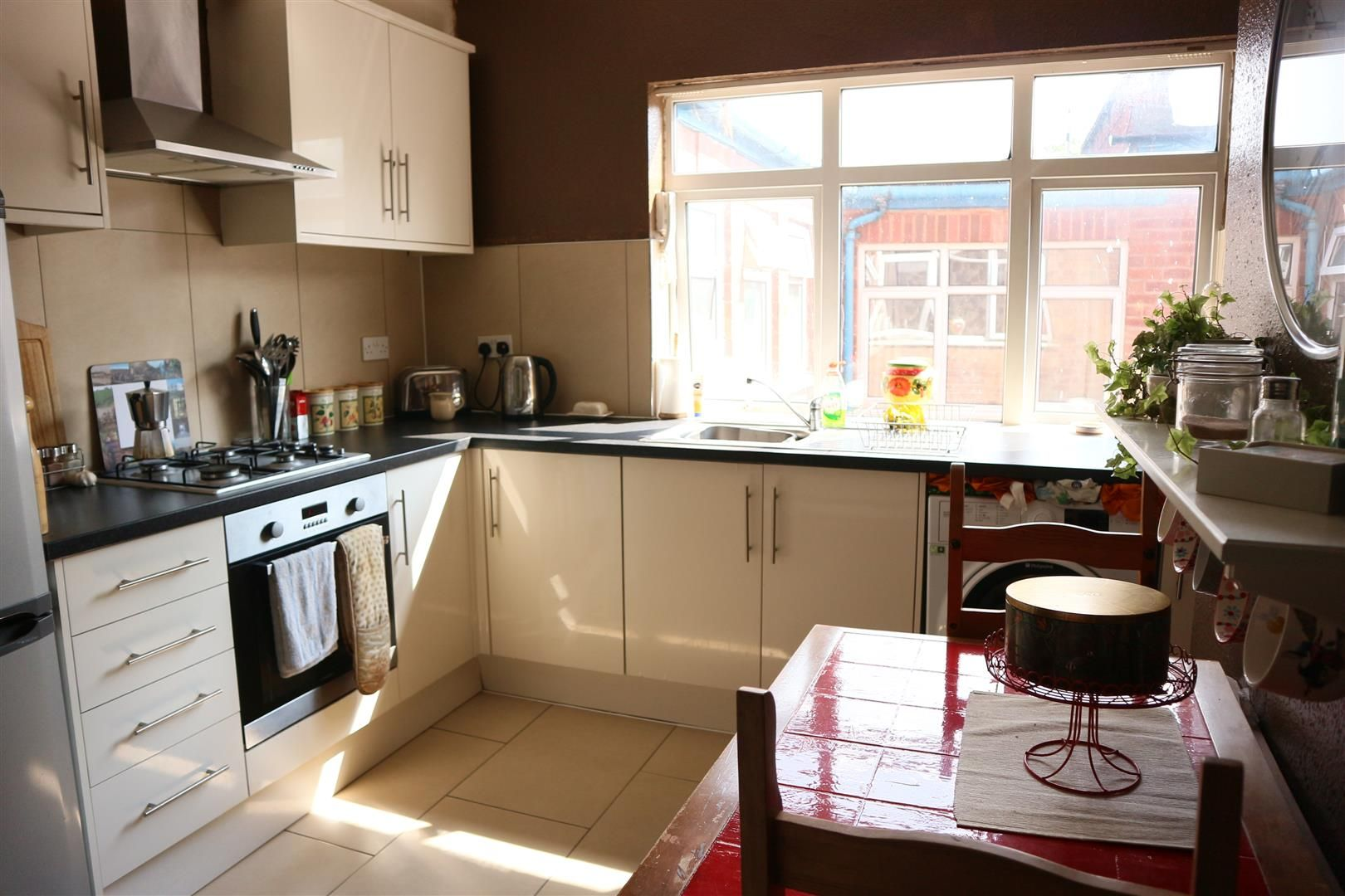 3 bed flat for sale 4