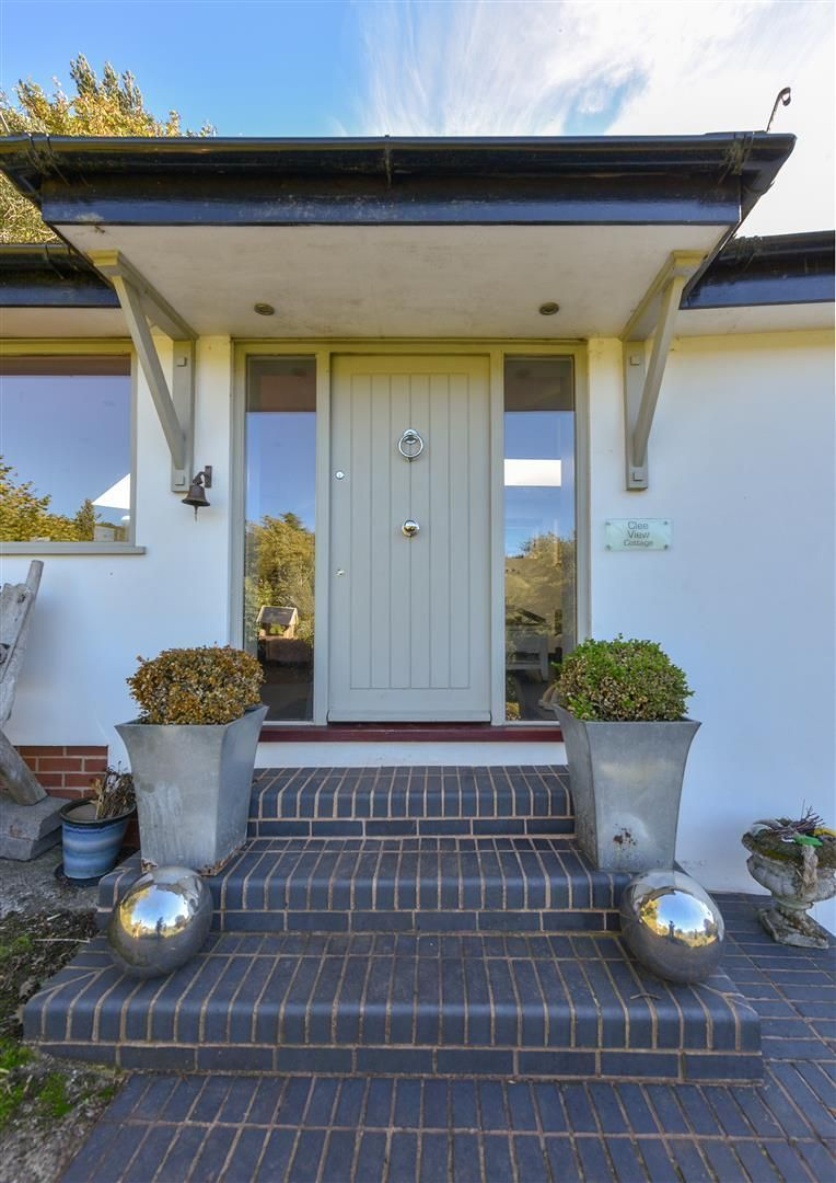 4 bed house for sale in Clent 2