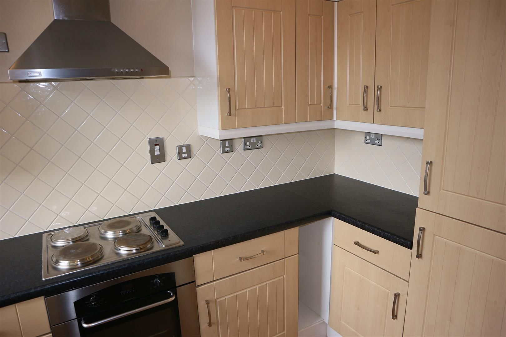2 bed apartment for sale  - Property Image 8