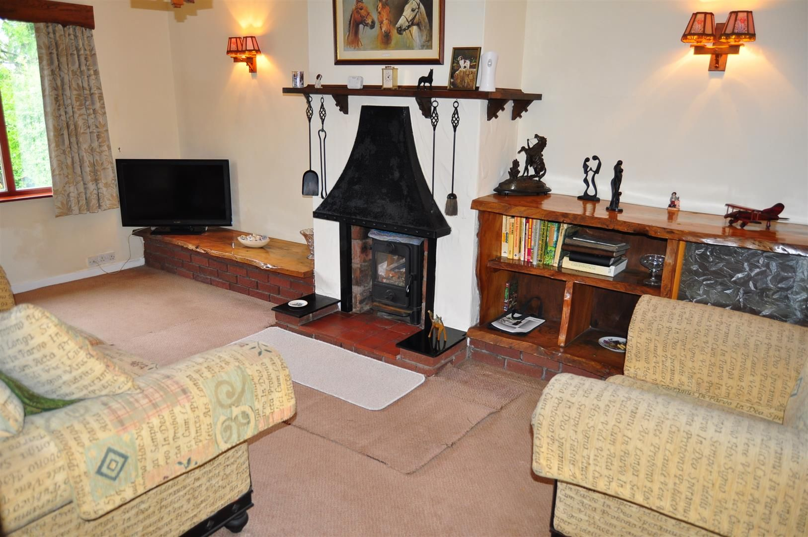 3 bed detached-bungalow for sale in Romsley 4