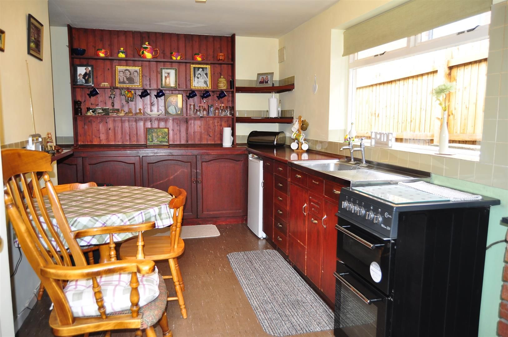 3 bed detached-bungalow for sale in Romsley 5
