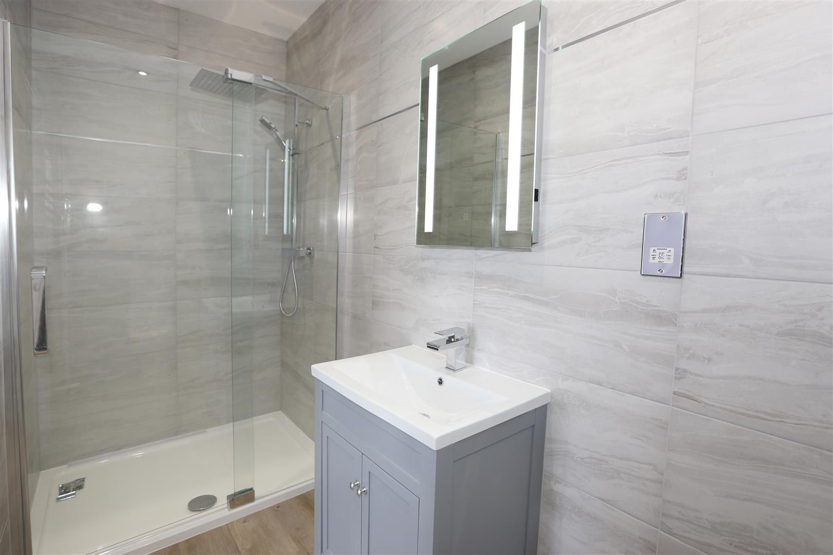 4 bed detached for sale in Hagley 13