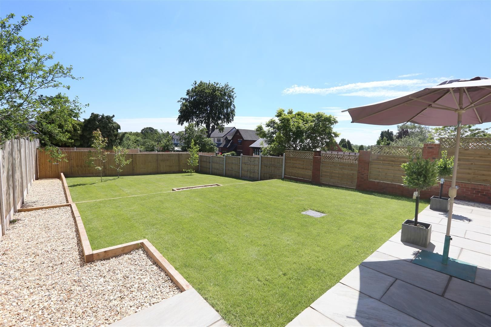 4 bed detached for sale in Hagley 26
