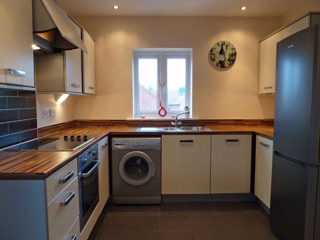 2 bed  to rent in Wordsley 3