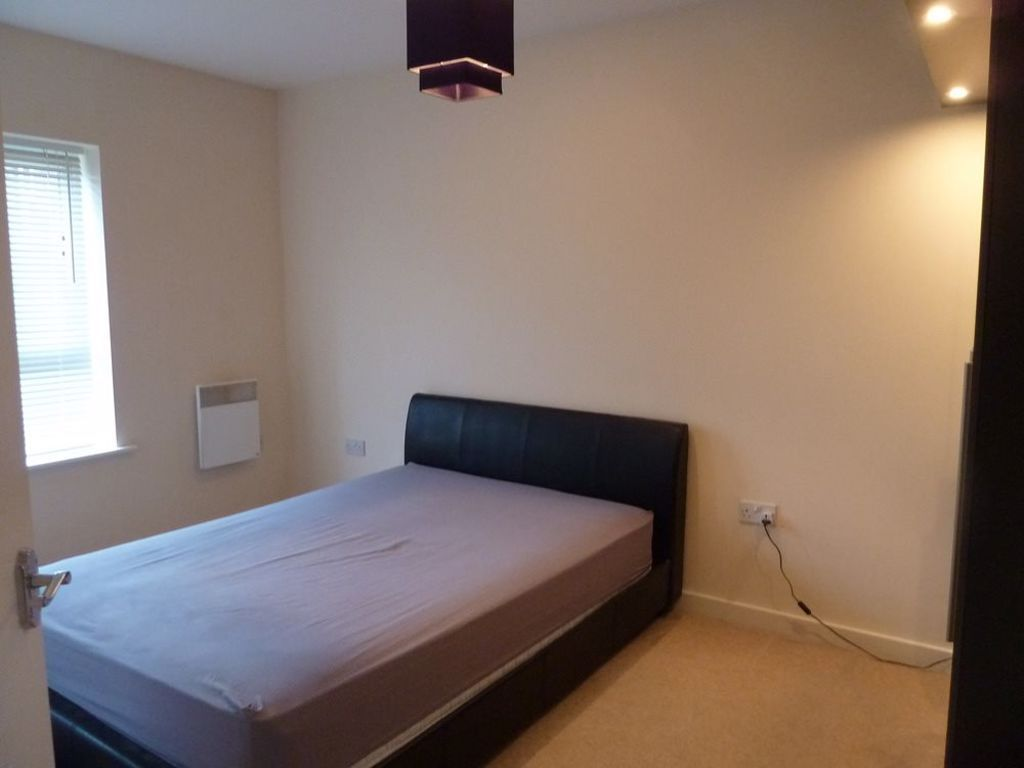2 bed  to rent in Wordsley 5
