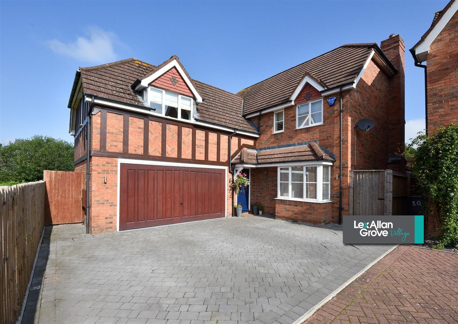 5 bed house for sale in Hagley  - Property Image 1