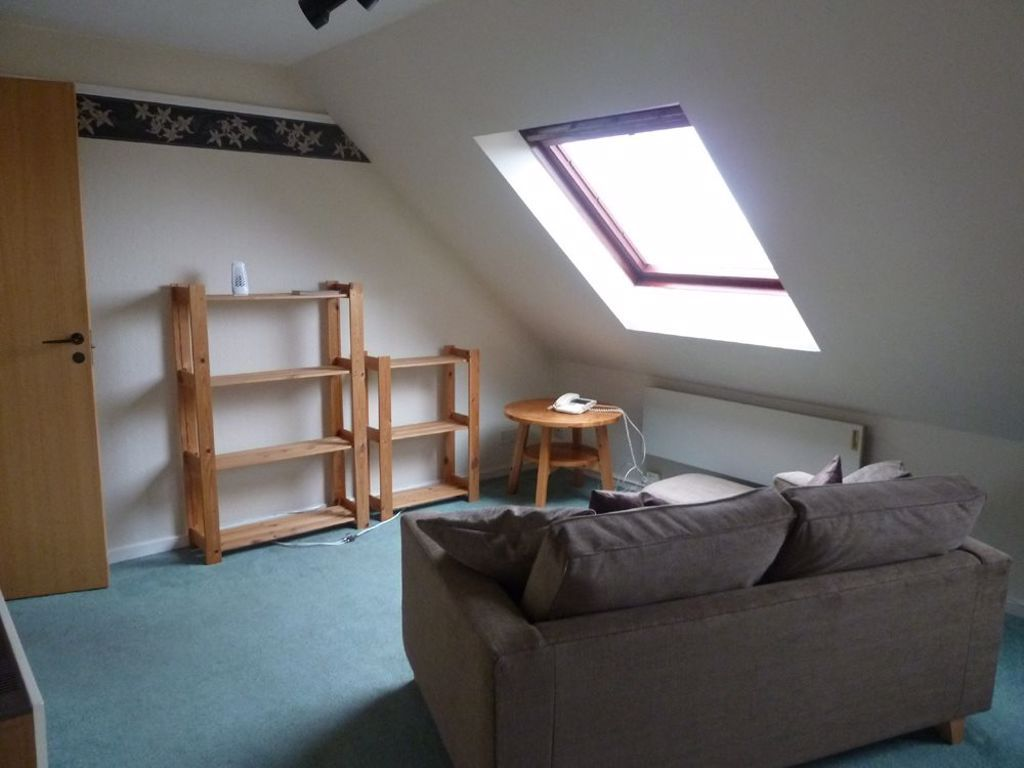 1 bed studio to rent  - Property Image 2