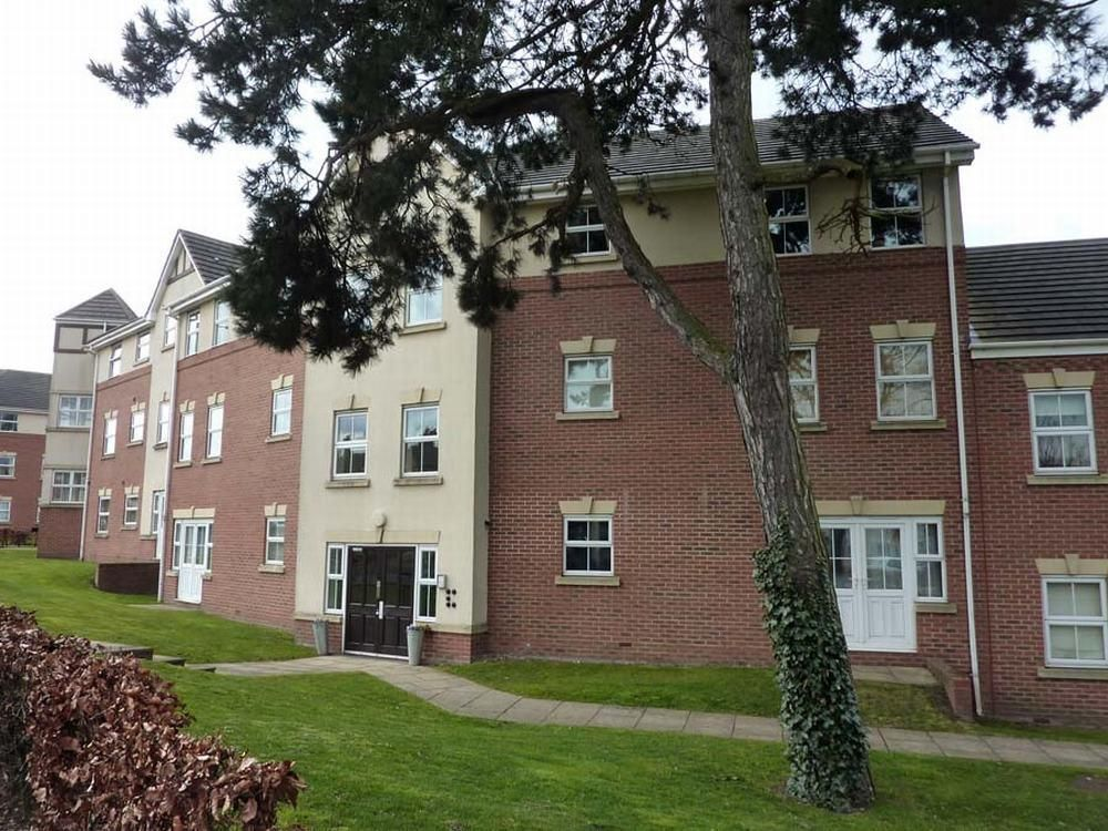 2 bed apartment for sale in Hagley 1